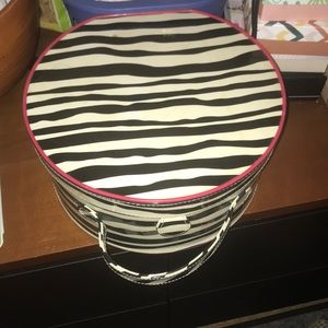 EUC Lancome Zebra 🦓 Print Lg. Round Train Case